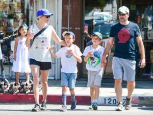 Caption: Celebrity kid Felix Handelman with his family