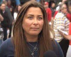 Kelly Radzikowski
